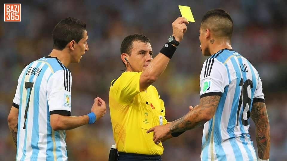 شرط بندی روی کارت زرددر فوتبال